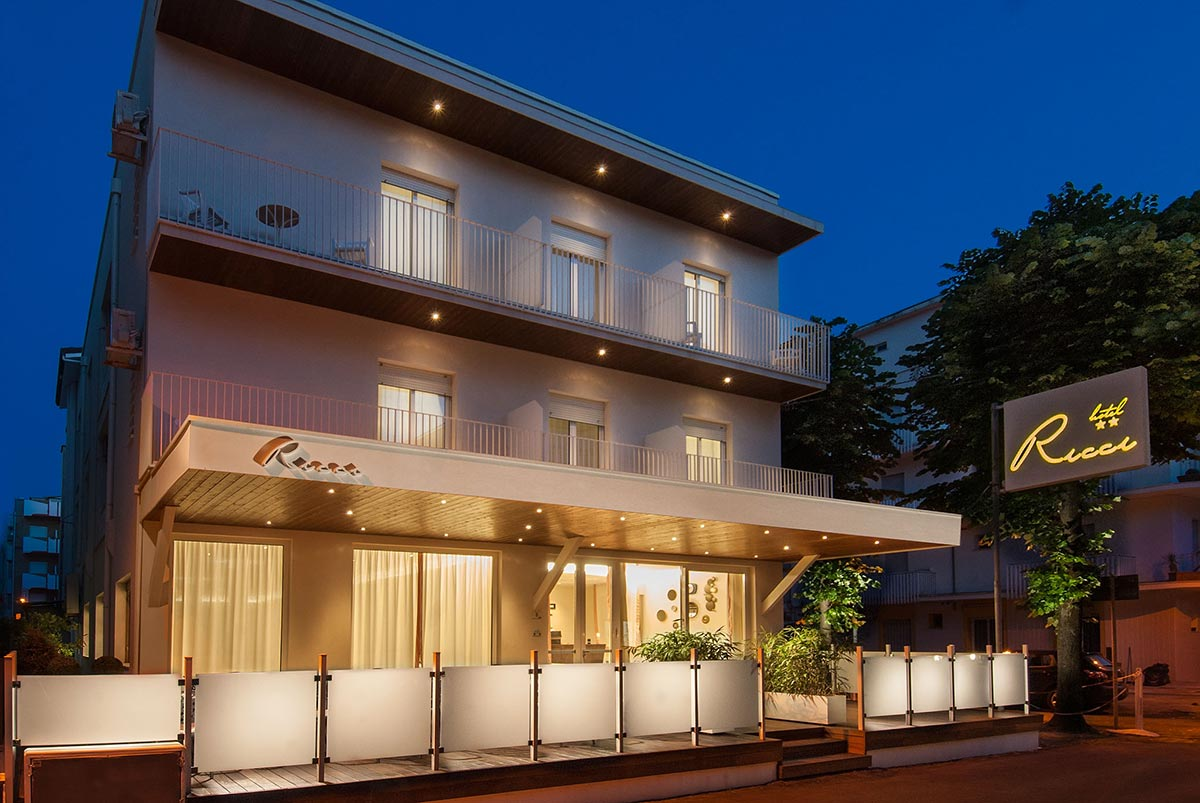 Hotel 2 stelle a Miramare: albergo per famiglie per vacanze a due ...
